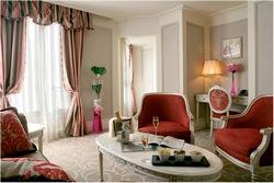 Luxusní hotel s výhledem na Eiffelovku za hubičku